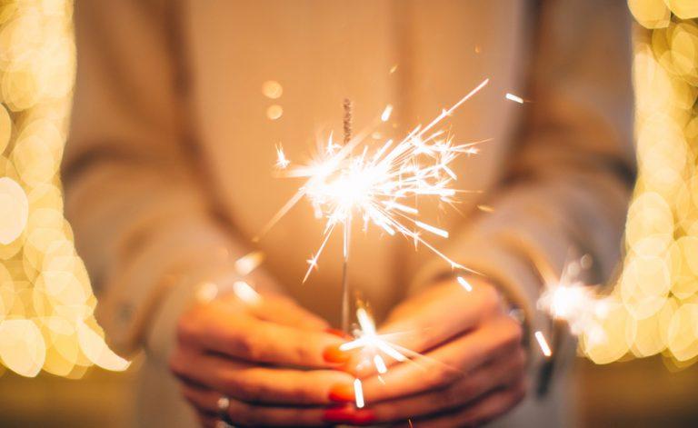 Com os fogos de artifício da Véspera de ano novo não é um jogo: aqui são os riscos para a saúde!