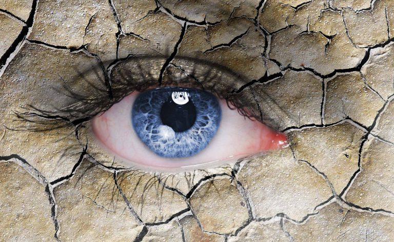 Secar os olhos e lentes de contato: veja o que fazer